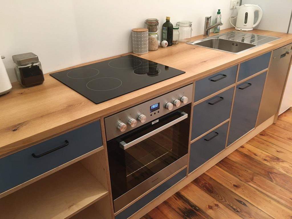 Küche in Eiche Massiv und Multiplex Birke